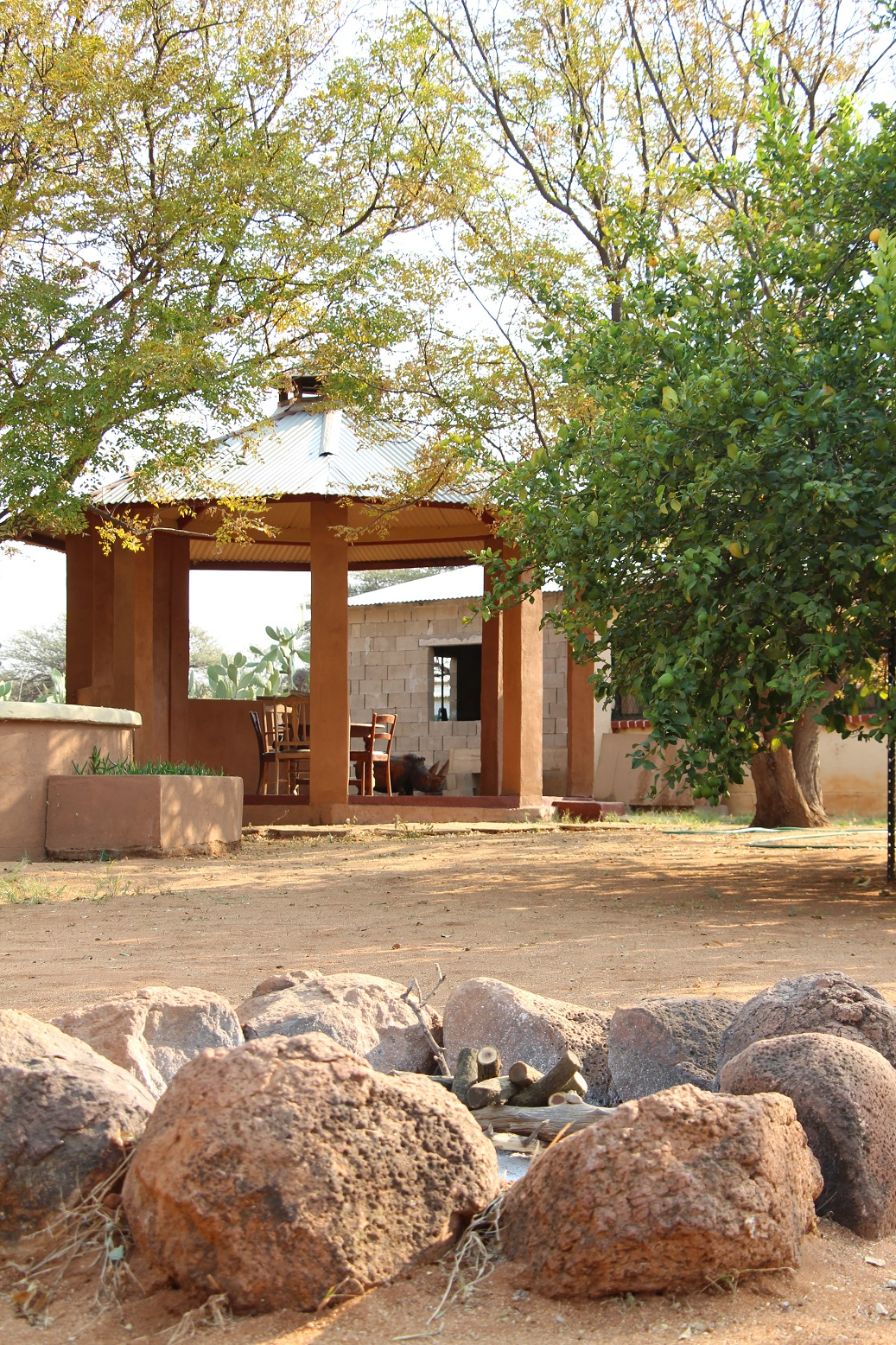 garten mit pavillon farm hazeldene namibiafarm hazeldene namibia. Black Bedroom Furniture Sets. Home Design Ideas